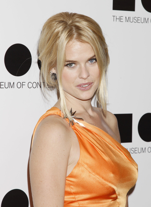 Элис Ив, фото 279. Alice Eve MOCA Gala 2011 in L.A. - 12.11.2011, foto 279