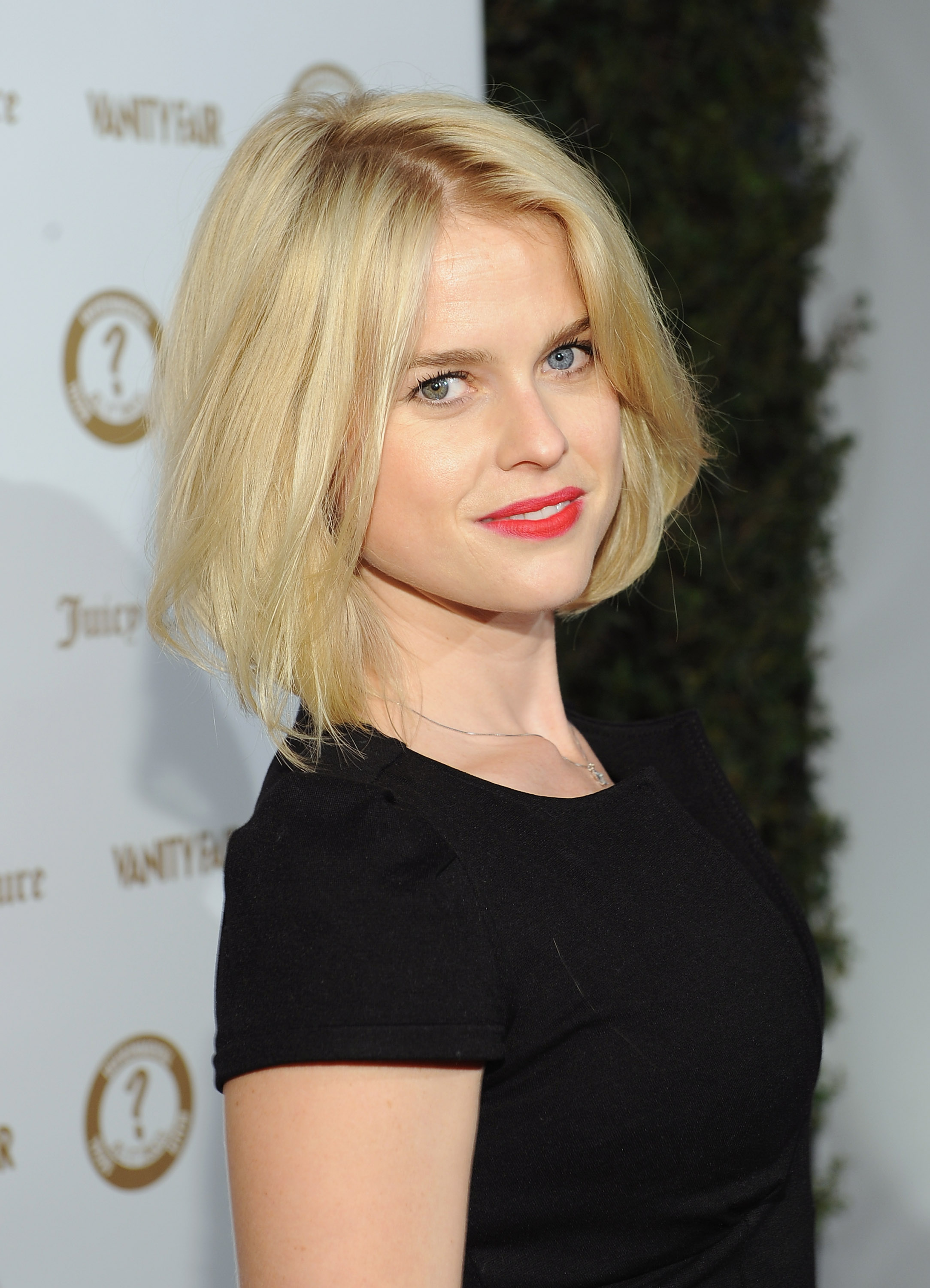 "Элис Ив, фото 311. Alice Eve Vanity Fair and Juicy Couture ""Vanities"" 20th Anniversary in Hollywood - February 20, 2012, foto 311"