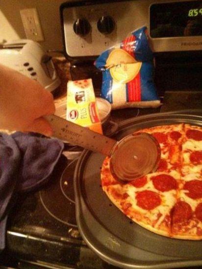 nozyk do pizzy.jpeg