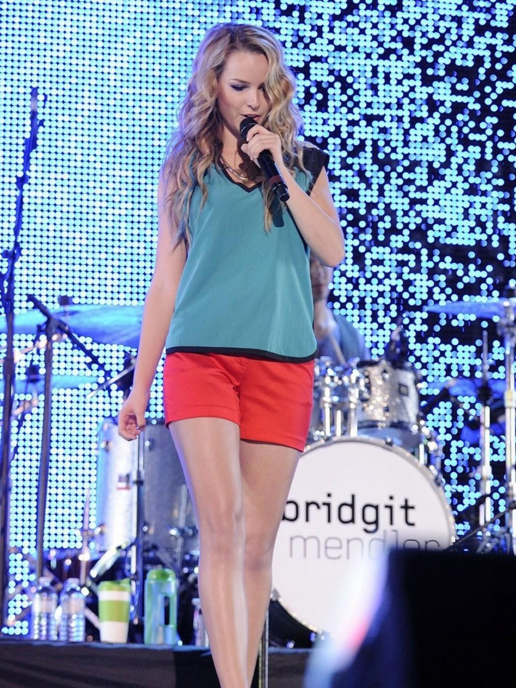 Bridgit_Mendler_Performance_Toronto_August_26_2012_ (14).jpg