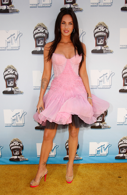 CelebutopiaMegan_Fox2008_MTV_Movie_Awards_Arrivals01_122_999lo.jpg
