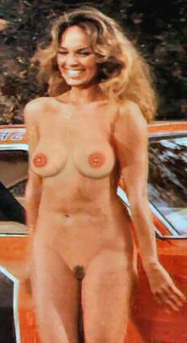 Catherine-Bach-naked_0.jpg