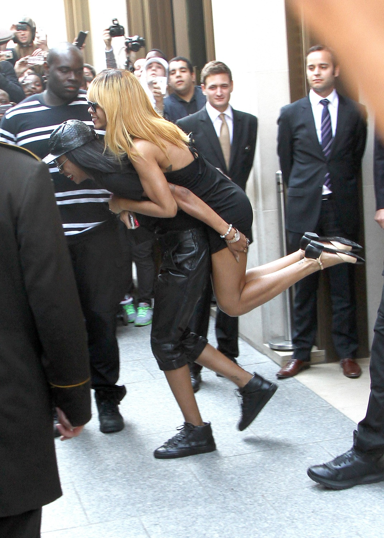 Rihanna leaving her hotel in Paris in Paris 5.6.2013_19.jpg