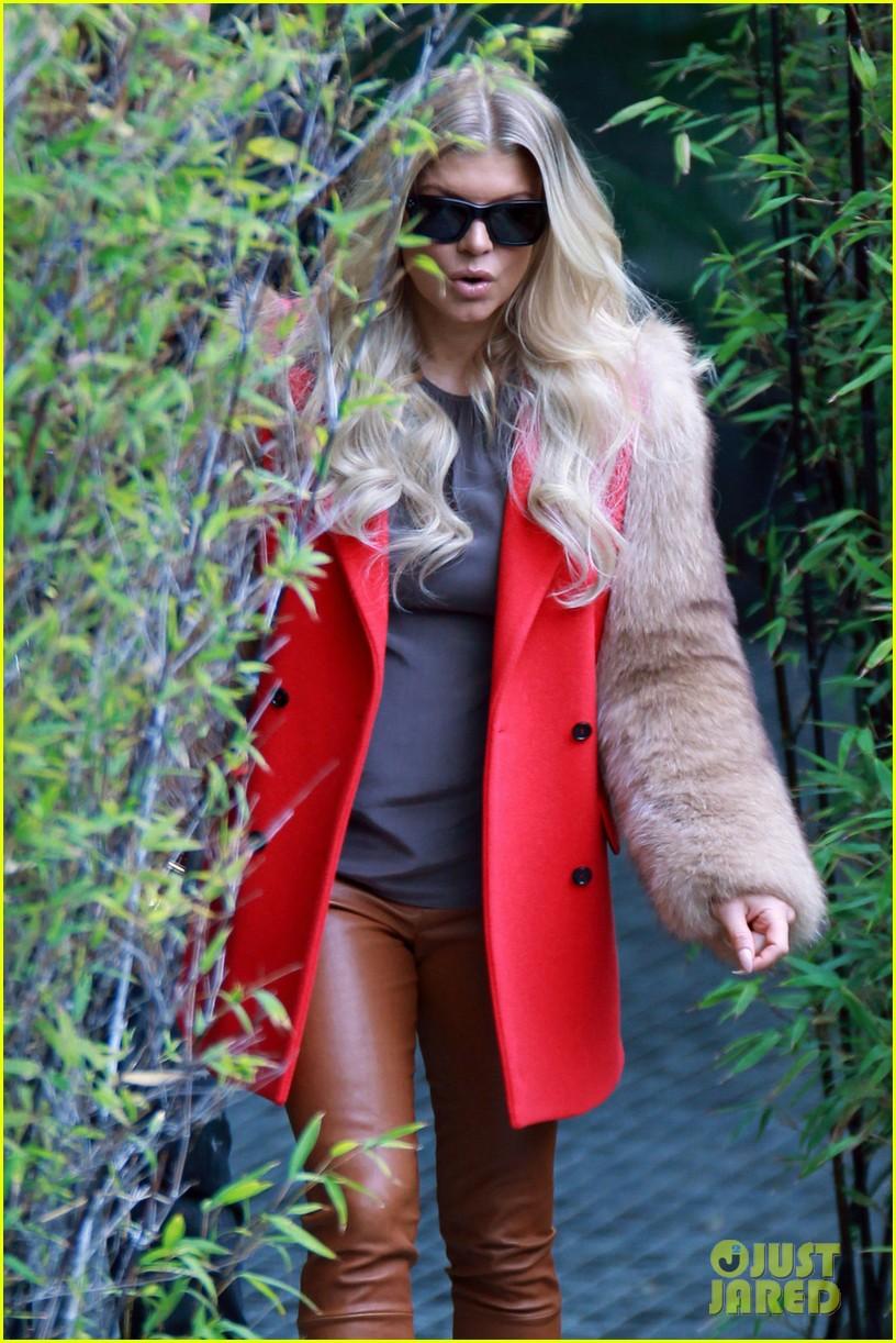 fergie-leathergirlsblog-com- (5).jpg
