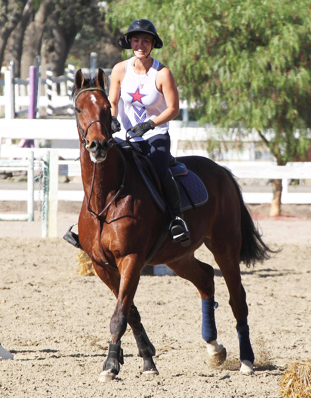 Kaley Cuoco horse riding LA 102414 06.jpg