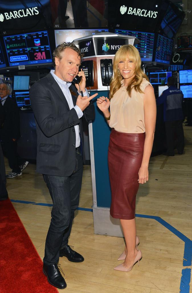 Toni+Collette+Tate+Donovan+Ring+NYSE+Opening+j7_3Ok4W1hIx.jpg