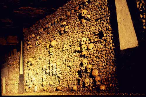 catacombesfrancevb1.jpg