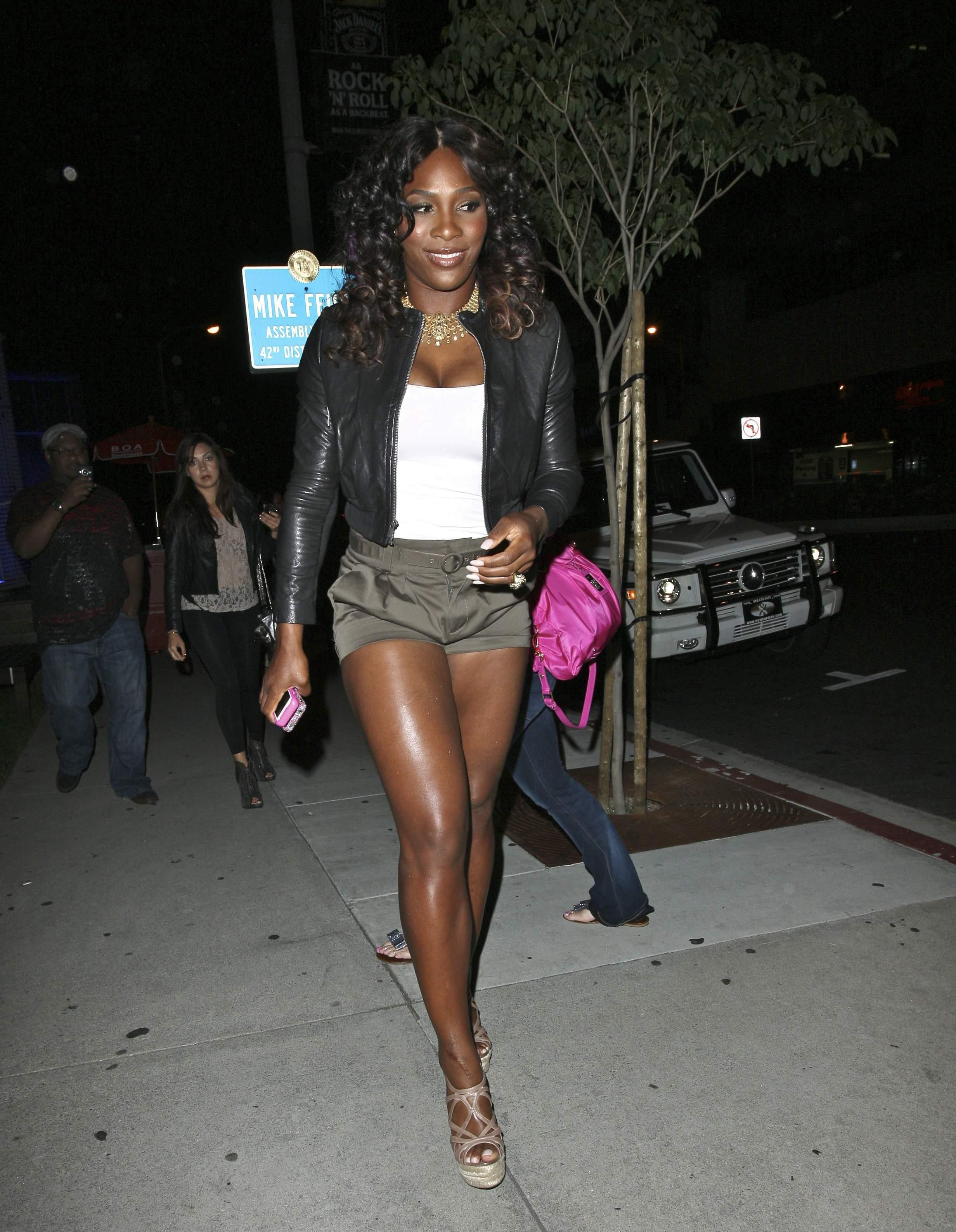 Serena Williams BoaSteakhouseJuly13201115_123_101lo.jpg