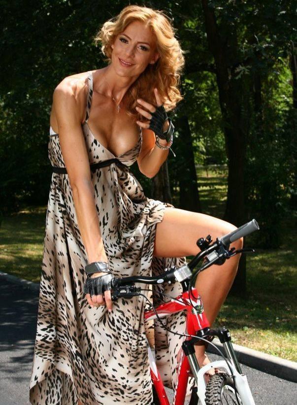 ciuhu-pe-bicicleta.jpg