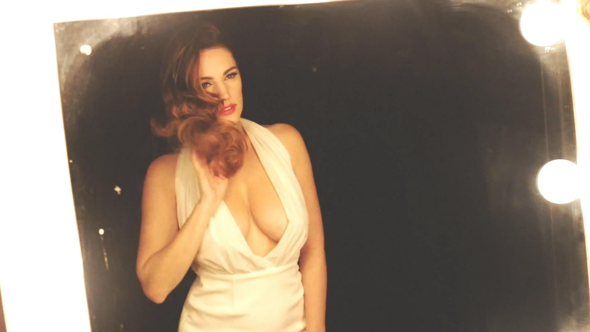 Kelly Brook - Audition Perfume Photoshoot_4.jpg