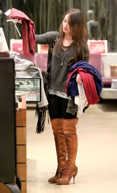 Tikipeter_Megan_Fox_shopping_at_Madison_boutique_015.jpg