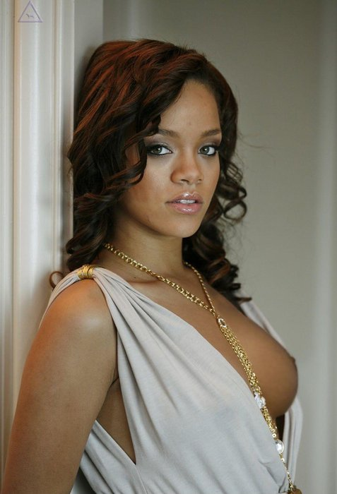 Rihanna-naked_179.jpg