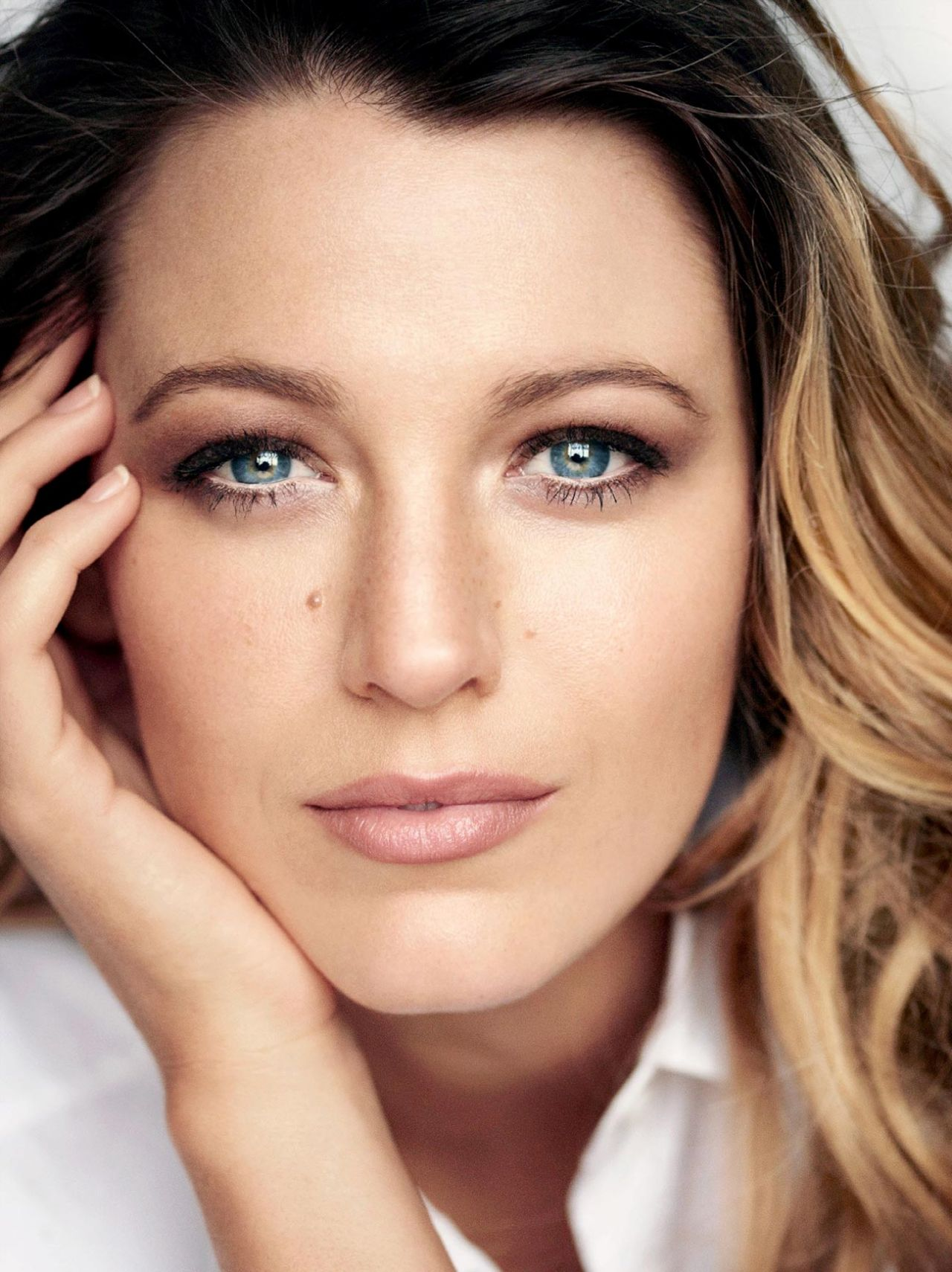 blake-lively-allure-magazine-may-2015-cover-and-photoshoot_1.jpg