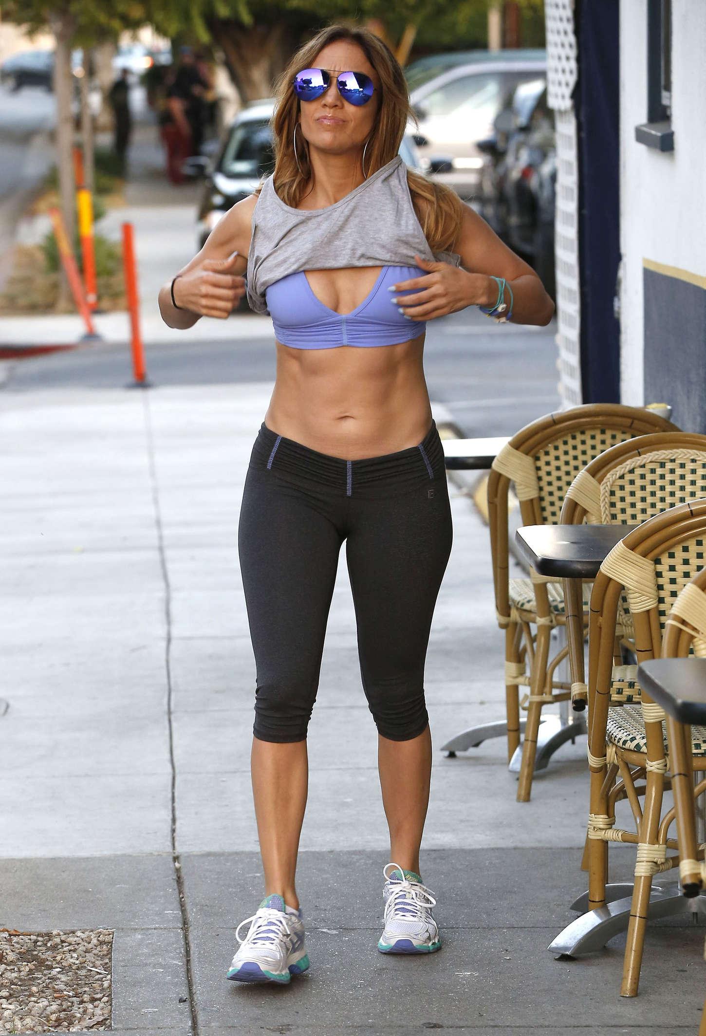 Jennifer Lopez-43r43005.jpg