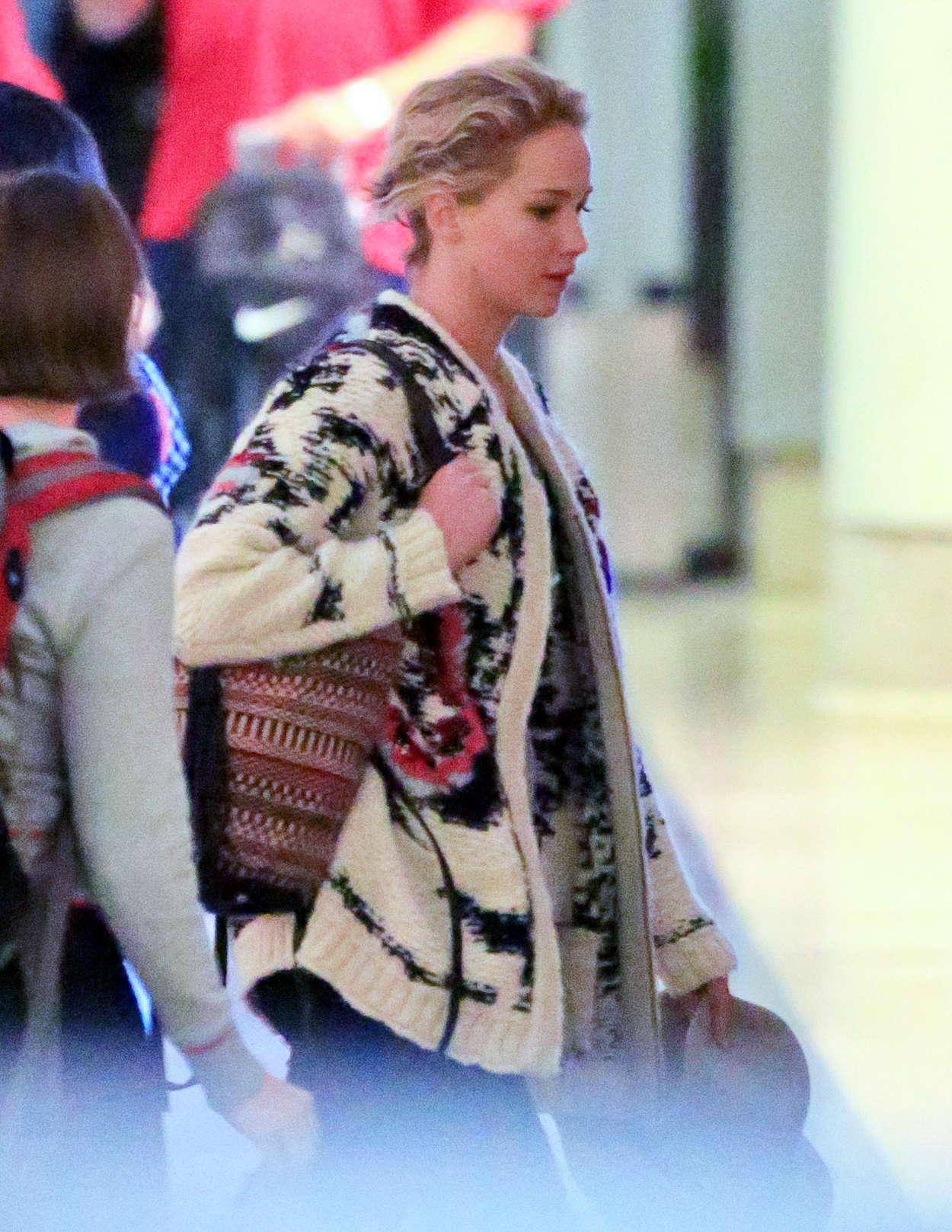 Jennifer Lawrence-54ds12007.jpg