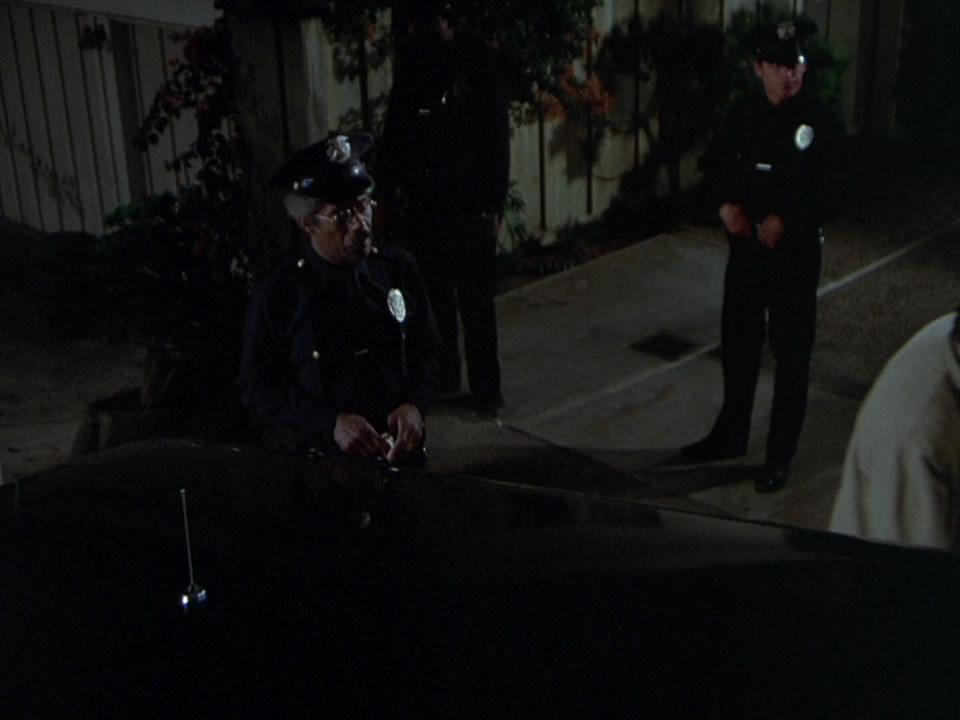 Columbo.S03E03.1973.Candidate.for.Crime.720p.BluRay.mkv_snapshot_00.19.13_[2014.10.09_17.41.44].jpg