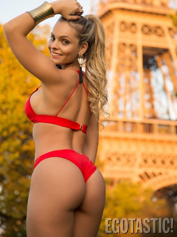 Miss-Butt-Brazil-Model-Indianara-Carvalho-Wears-a-Bikini-in-Paris-02-675x900.jpg