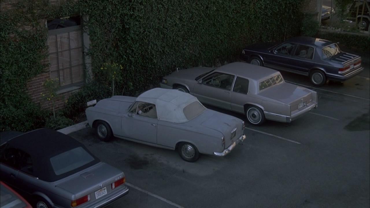 Columbo.S09E03.1990.Agenda.for.Murder.720p.BluRay.mkv_snapshot_00.32.25_[2014.10.11_00.15.27].jpg