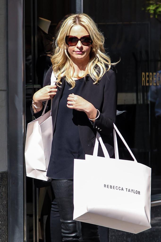 Sarah+Michelle+Gellar+seen+shopping+Rebecca+tX01S2_IHyux.jpg