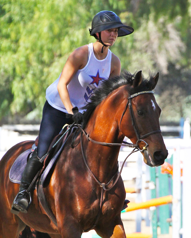 Kaley Cuoco horse riding LA 102414 10.jpg