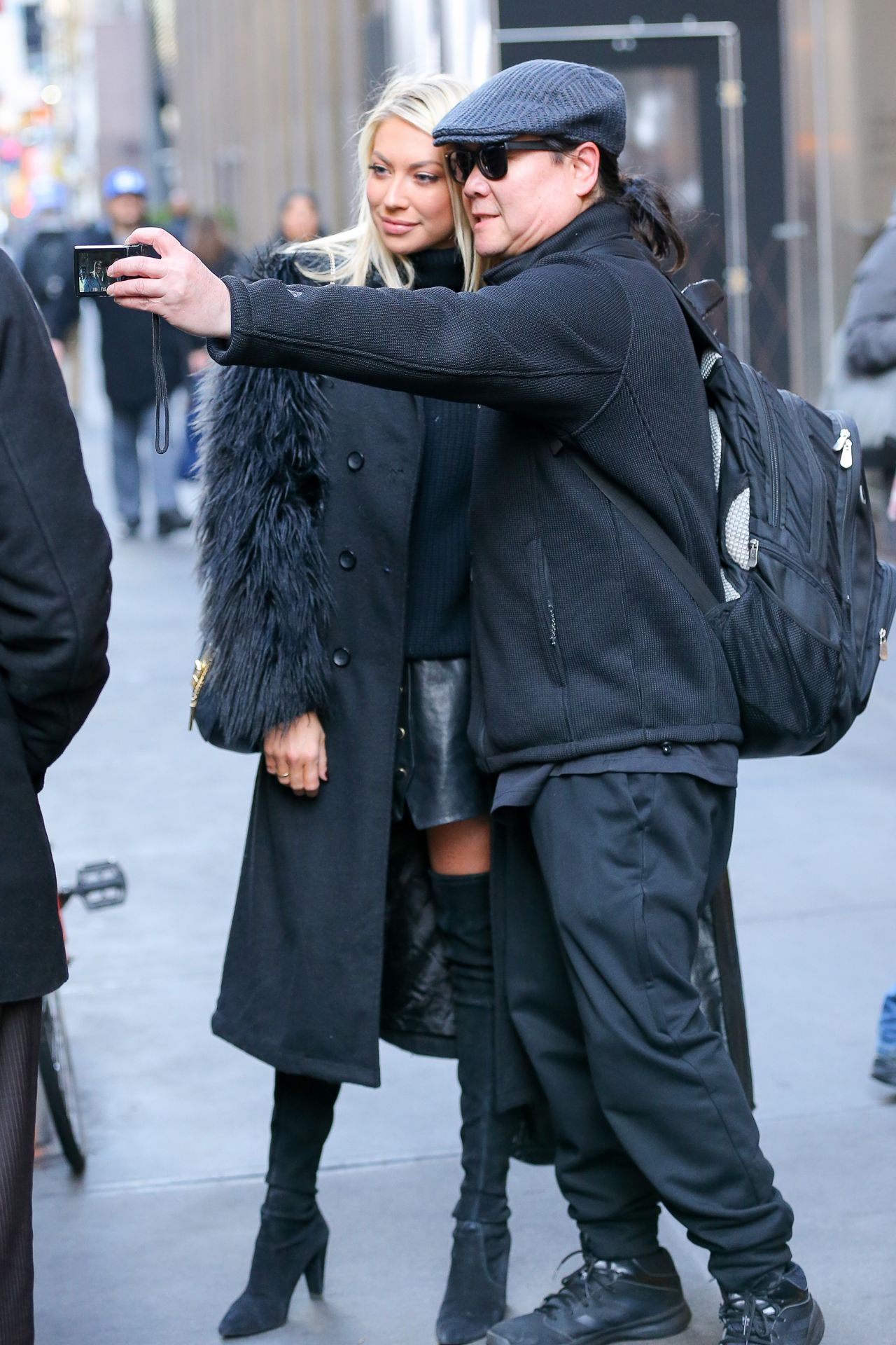 stassi-schroeder-wearing-a-black-stylish-outfit-as-leaving-siriusxm-radio-in-nyc-1-11-2017-2.jpg