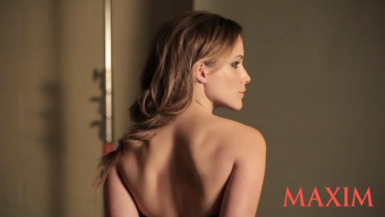 Sophia Bush Maxim BTS 10.jpg