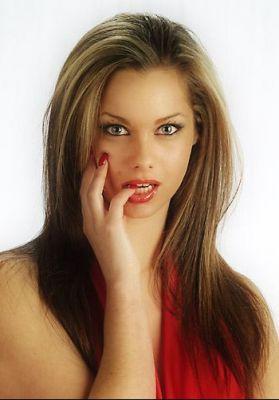 normal_Jessica-Jane_Clement11.jpg