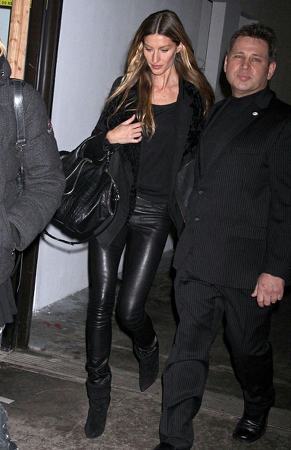 Gisele Bundchen 11.02.2012 01b.jpg