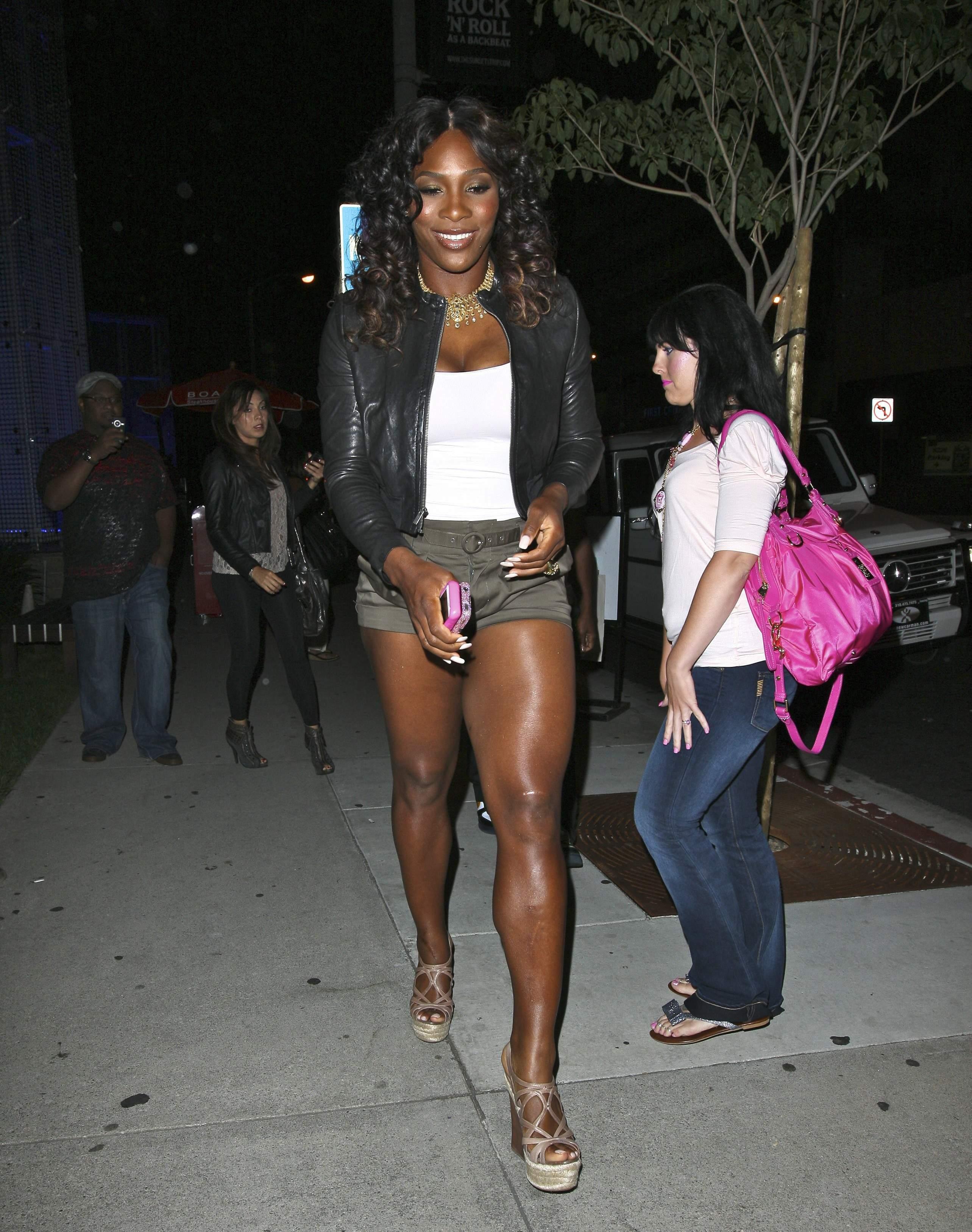 Serena Williams BoaSteakhouseJuly13201115_123_107lo.jpg