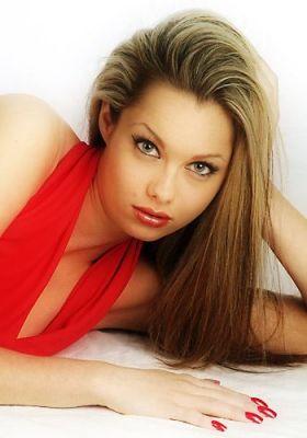normal_Jessica-Jane_Clement14.jpg
