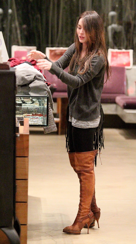 Tikipeter_Megan_Fox_shopping_at_Madison_boutique_023.jpg