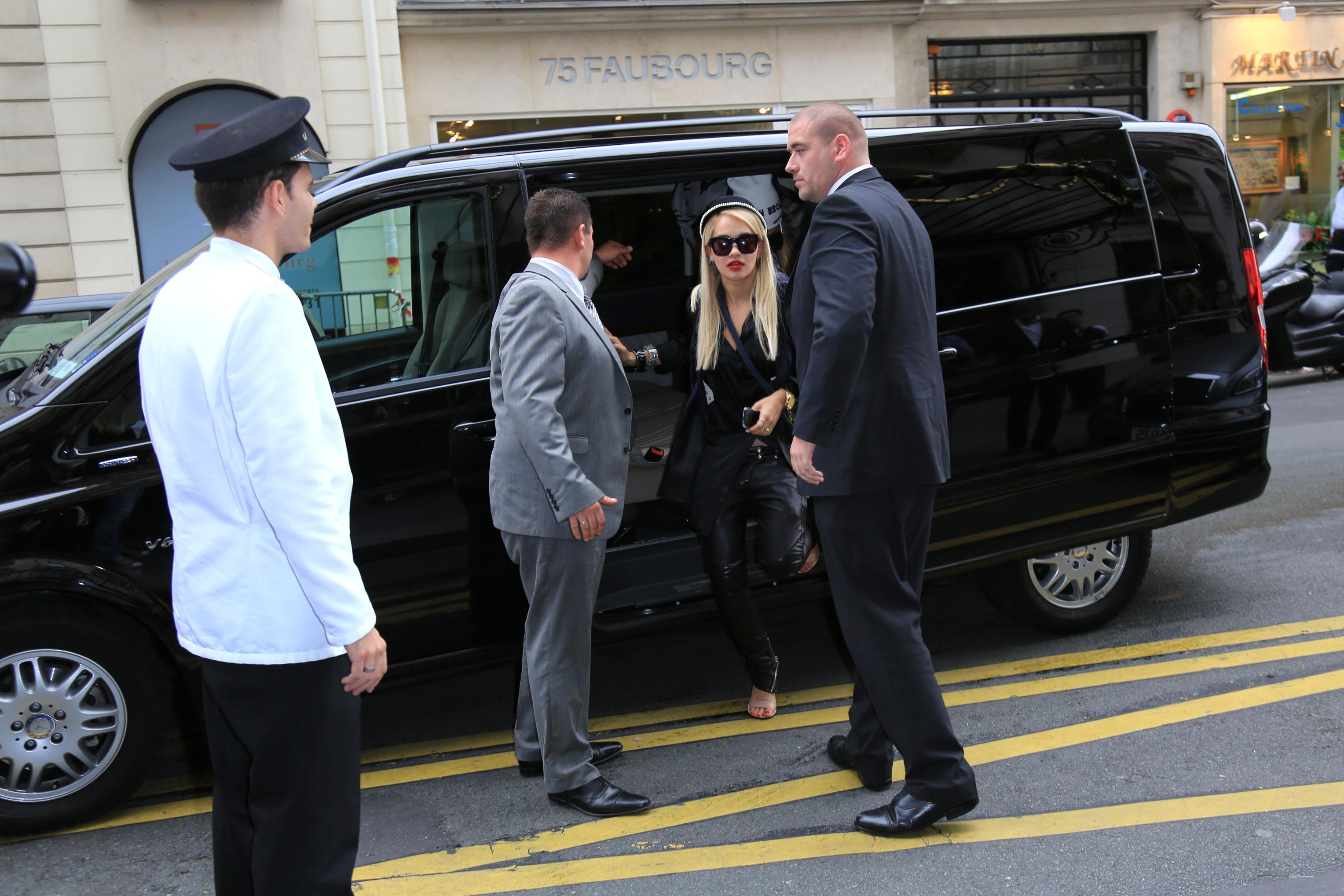celebrity-paradise.com-The Elder-rita _10_.jpg