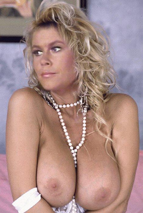 Elizabeth-Montgomery-naked_10.jpg