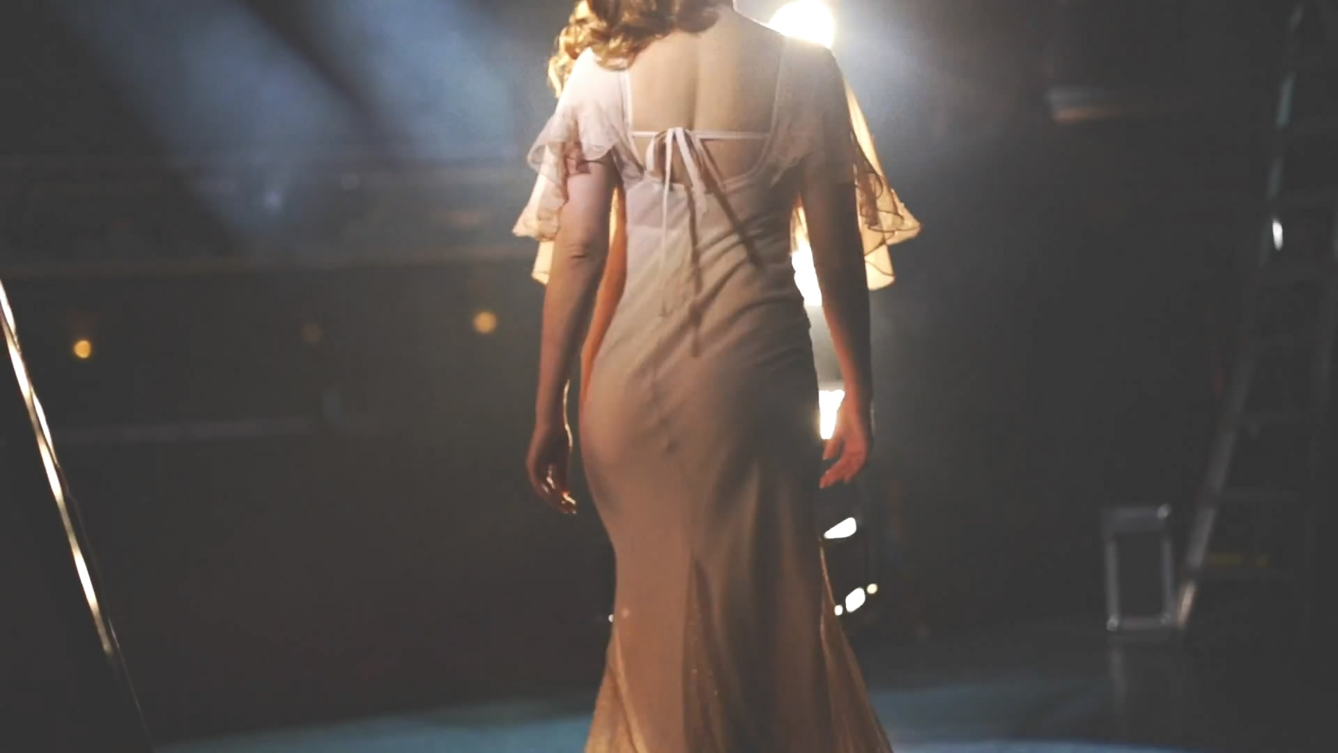 Kelly Brook - Audition Perfume Photoshoot_6.jpg