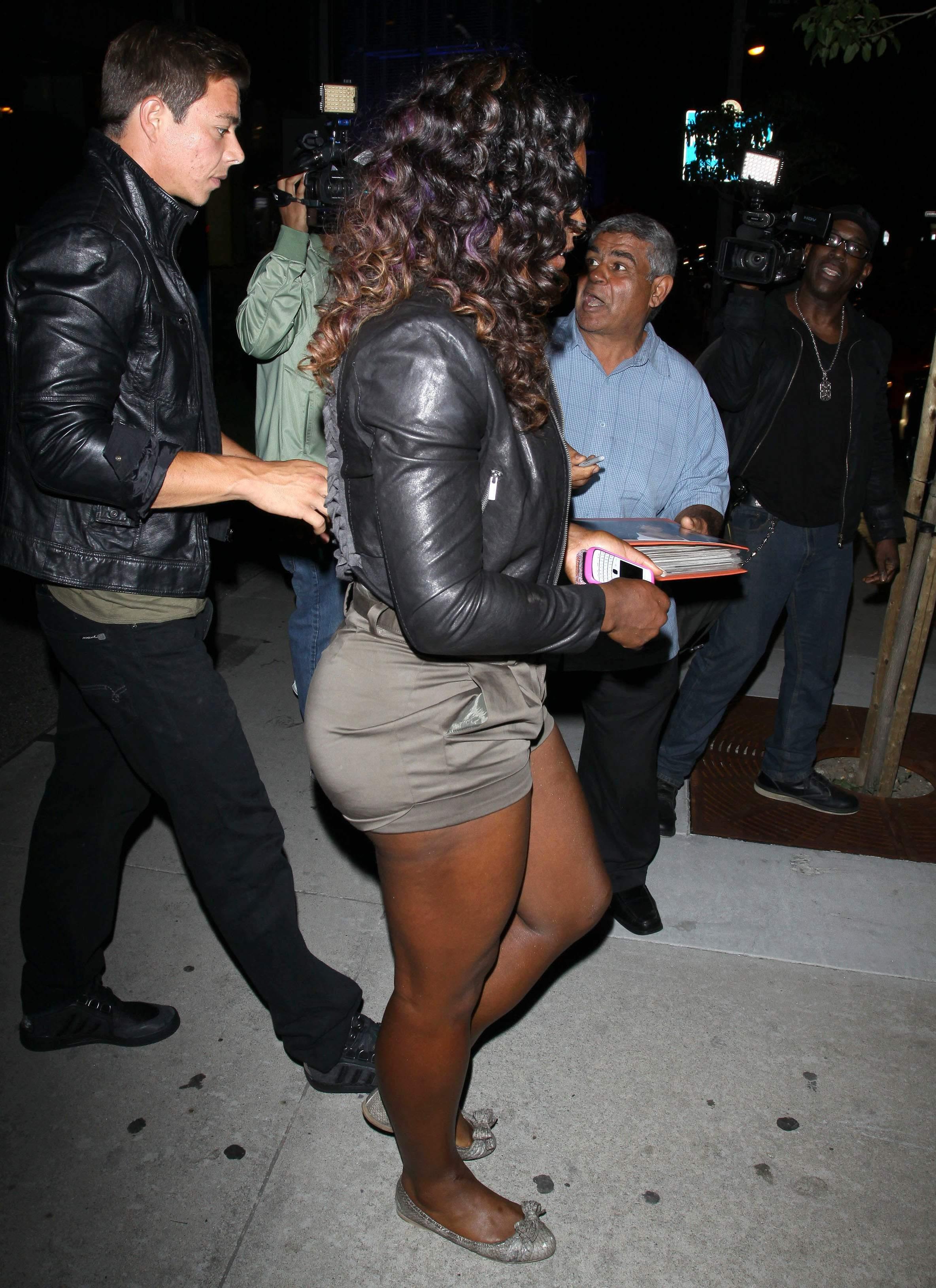 Serena Williams BoaSteakhouseJuly13201115_123_94lo.jpg