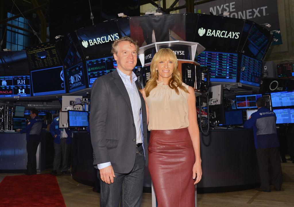 Toni+Collette+Tate+Donovan+Ring+NYSE+Opening+3yL2in9KL07x.jpg