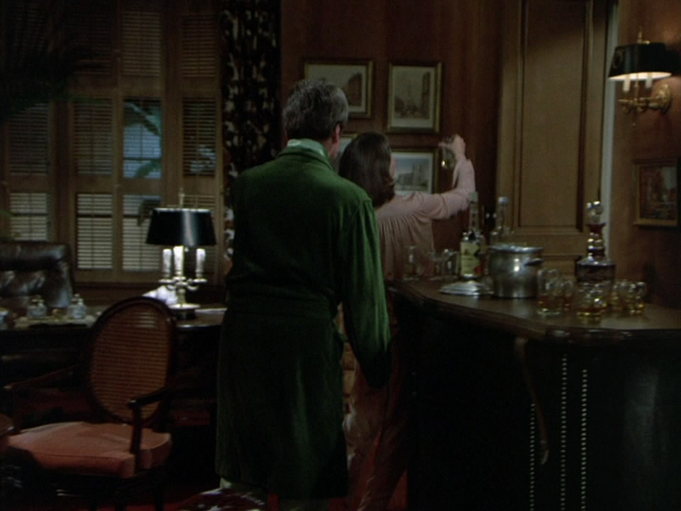 Columbo.S03E03.1973.Candidate.for.Crime.720p.BluRay.mkv_snapshot_00.32.23_[2014.10.09_17.41.51].jpg