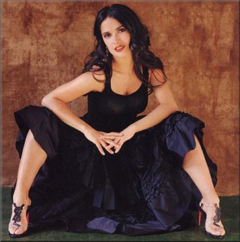 Salma-Hayek-Feet-239525.jpg