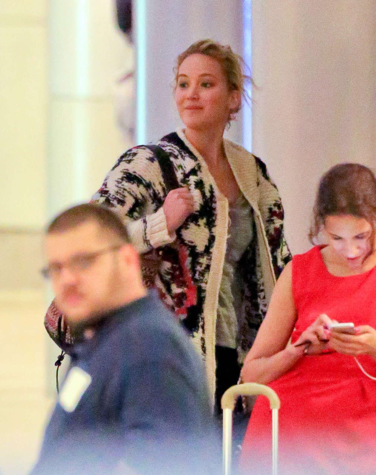 Jennifer Lawrence-54ds12010.jpg